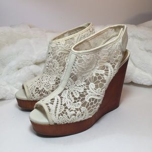 Lucky Brand Rezdah 2 Floral Lace Wedge Sandals 8.5
